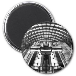 canary wharf tube station magnet