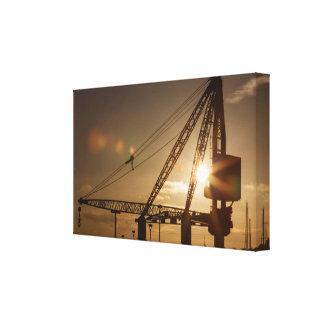 Canvas Scotch Derrick crane