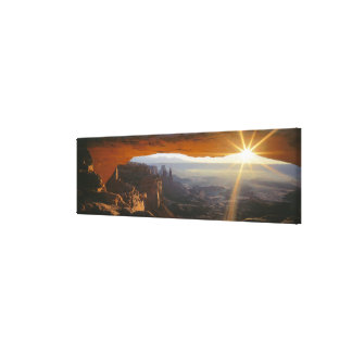 CANYONLANDS NATIONAL PARK, UTAH. USA. View Stretched Canvas Prints