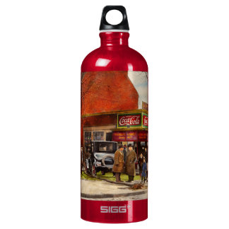 Car - Accident - Looking out for number one 1921 SIGG Traveller 1.0L Water Bottle