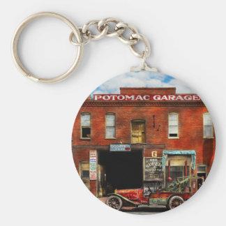 Car - Garage - Misfit Garage 1922 Key Ring