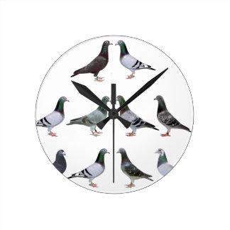 Carrier pigeons champions wallclock