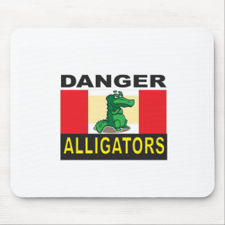 cartoon alligator help mouse pad