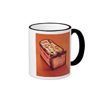 Cartouche-shaped box coffee mugs
