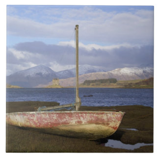 Castle Stalker with fishing boat in the Large Square Tile