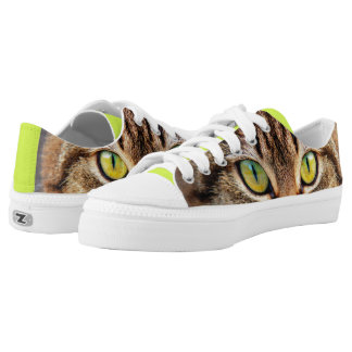 Cat eyes printed shoes