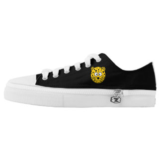 Cat 🐱 image, sneaker's low tops