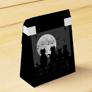 Caterwauling by moonlight favour box