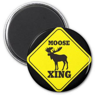 Caution- Moose Crossing 6 Cm Round Magnet