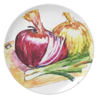 Cebollas-Red Onion, Yellow Onion, Green Onions on  Plate