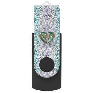 Celtic Heart Mandala In Green Gold USB Flash Drive