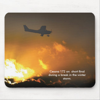Cessna150 approach -1, Cessna 172 on  short fin... Mouse Pad