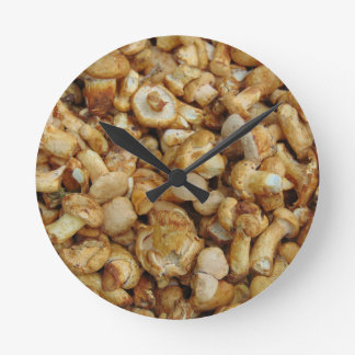Chantarelles Round Clock
