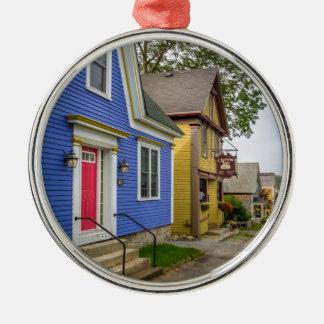 Charlotte Lane Shelburne Metal Ornament