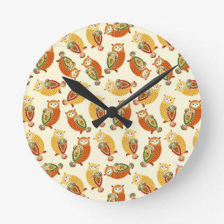 Charming, Cute owls in autumn colors Round Clock