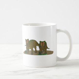 Chasmosaurus browsing coffee mugs