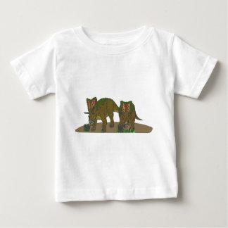Chasmosaurus browsing t-shirt