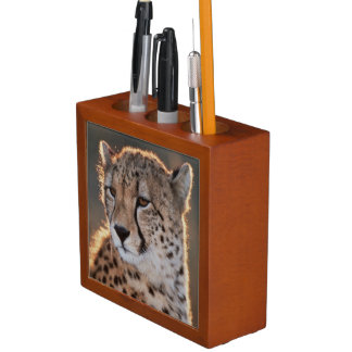 Cheetah looking away desk organiser