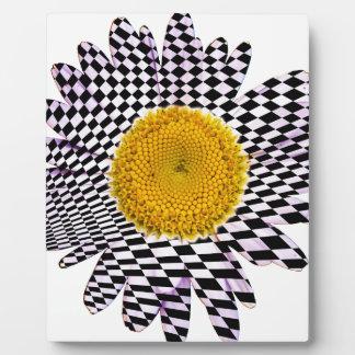 Chess board daisy plaque