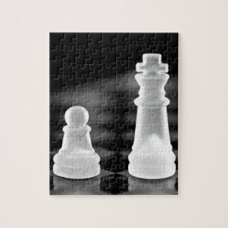 Chess pieces jigsaw puzzles
