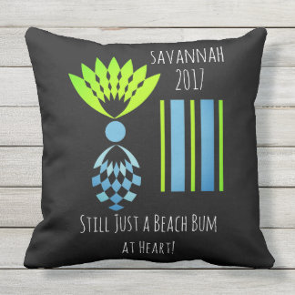 CHIC BEACH BUM_MOD TROPICAL PASTEL PINEAPPLE CUSHION