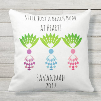CHIC BEACH BUM_MOD TROPICAL PASTEL PINEAPPLES CUSHION