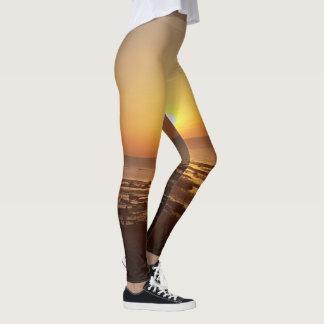 Chic beach sunset print leggings