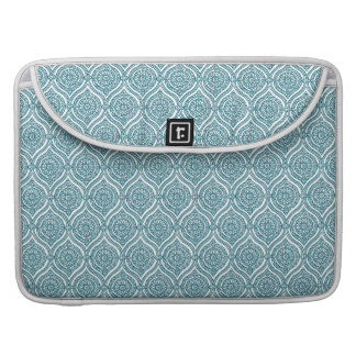 Chic Ethnic Ogee Pattern in Teal on White Sleeve For MacBook Pro