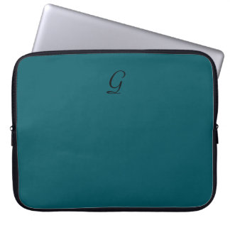 CHIC laptop sleeves_SOLID 02 Laptop Sleeve