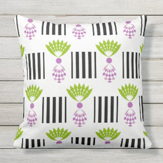 CHIC PILLOW_MOD TROPICAL PURPLE PINEAPPLES OUTDOOR CUSHION