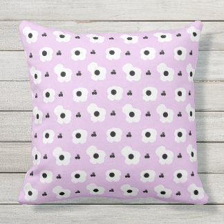 CHIC PILLOW_MOD WHITE AND BLACK FLORAL ON LILAC CUSHION