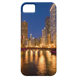 Chicago, Illinois, Skyline and Chicago River at iPhone 5 Cover