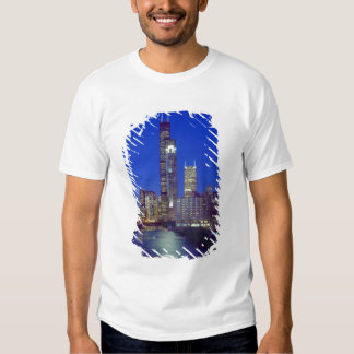 Chicago, Illinois, Skyline at night with Chicago Tshirts