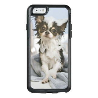 Chihuahua Puppy Wrapped In A Towel OtterBox iPhone 6/6s Case