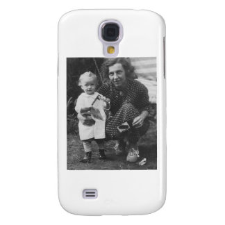 Child and Mother Kneeling with camera Samsung Galaxy S4 Cover