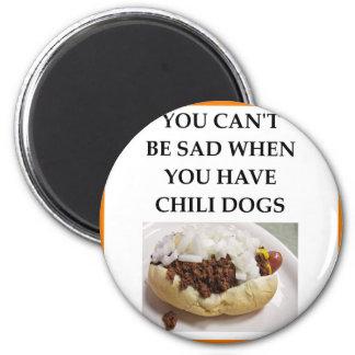 CHILI DOG 6 CM ROUND MAGNET