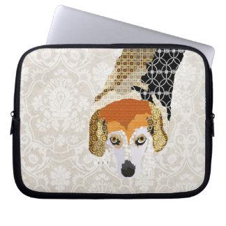 Chloe (Beagle) White Damask Computer Sleeve