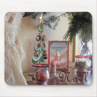 Chrismas Mantel Display! Mouse Pad