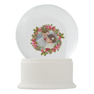 Christmas Holiday Wreath and Photo Snow Globe