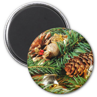 Christmas motive of branches of fir and decoration 6 cm round magnet