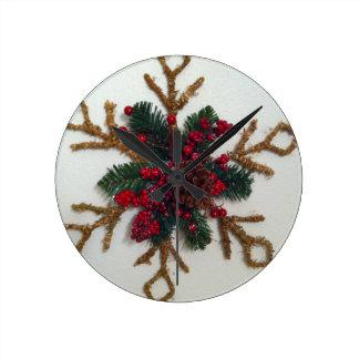 Christmas Pine Cone Decoration Round Wallclock