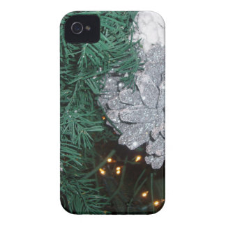 Christmas Tree with Silver Pine Cone Case-Mate iPhone 4 Case