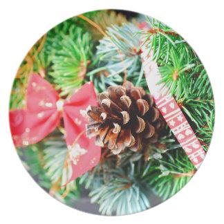 Christmas wreath decoration dinner plates