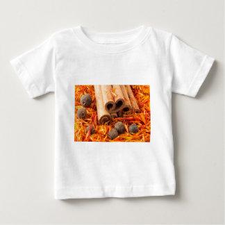 Cinnamon, peppercorn and saffron close-up baby T-Shirt
