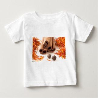 Cinnamon sticks, aromatic saffron and pimento baby T-Shirt