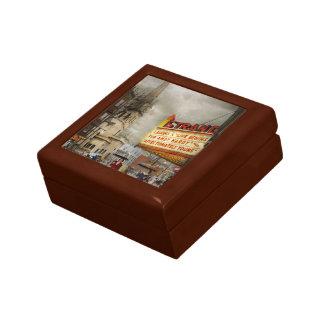 City - Amsterdam NY - Life begins 1941 Gift Box