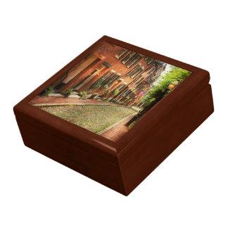 City - Boston MA - Acorn Street Gift Box