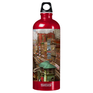 City - Chicago - Piano Row 1907 Water Bottle