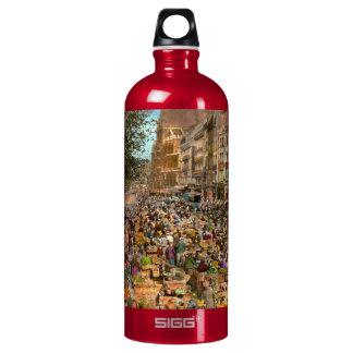 City - France - Les Halles de Paris 1920 Water Bottle