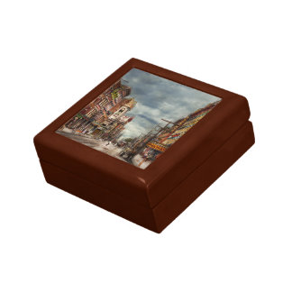 City - NY - The ever changing market place 1906 Gift Box